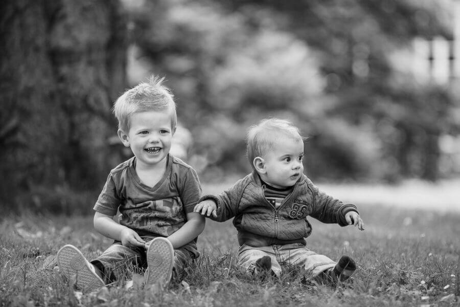 Een mooie foto van gezellige kids nabij Ermelo - foto's van je gezin