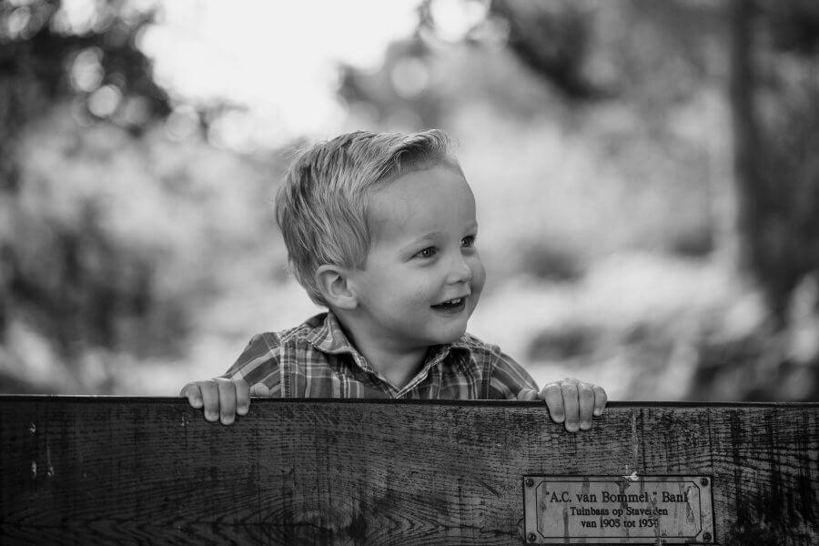 Een mooie foto van gezellige kinderen rond Rhenen - fotoshoot jouw gezin