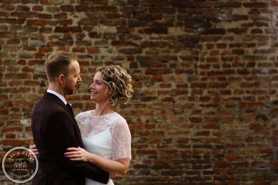 A chili but warm wedding at Wijenburg Castle