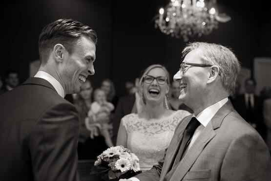 Trouwceremonie bij de trouwlocatie