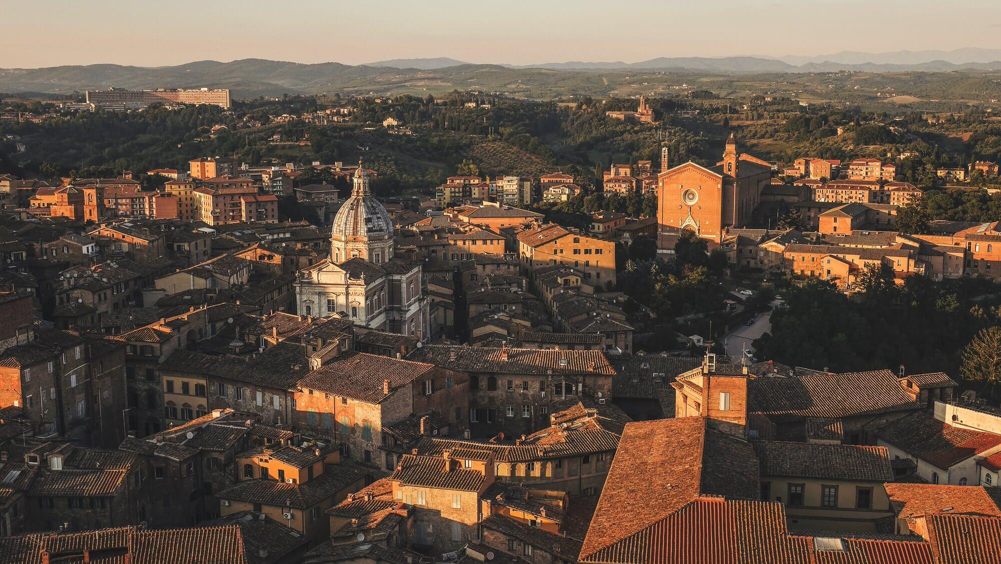 Bruidsfotograaf voor een trouwerij in Siena