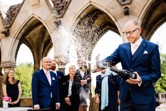 Bruidsfotografie voor een trouwdag bij Kasteel Nederhemert